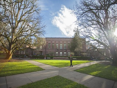 Memorial quad at the UO